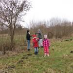 Anna und Selma bei der Weidenpflege im Buchhorst